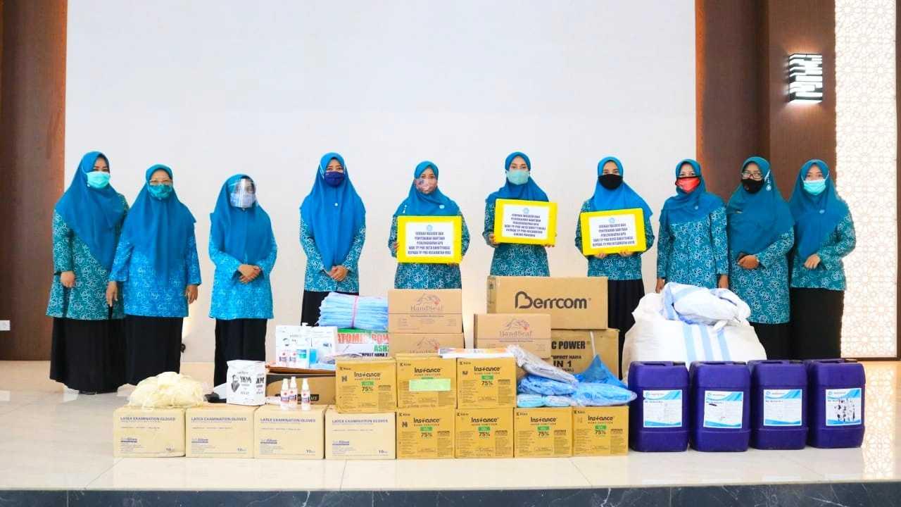Program Gebrak Masker Sukses, Ribuan Masker Diserahkan PKK Kota Bukittinggi