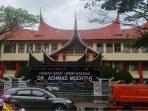 Sepotong Kisah Achmad Mochtar