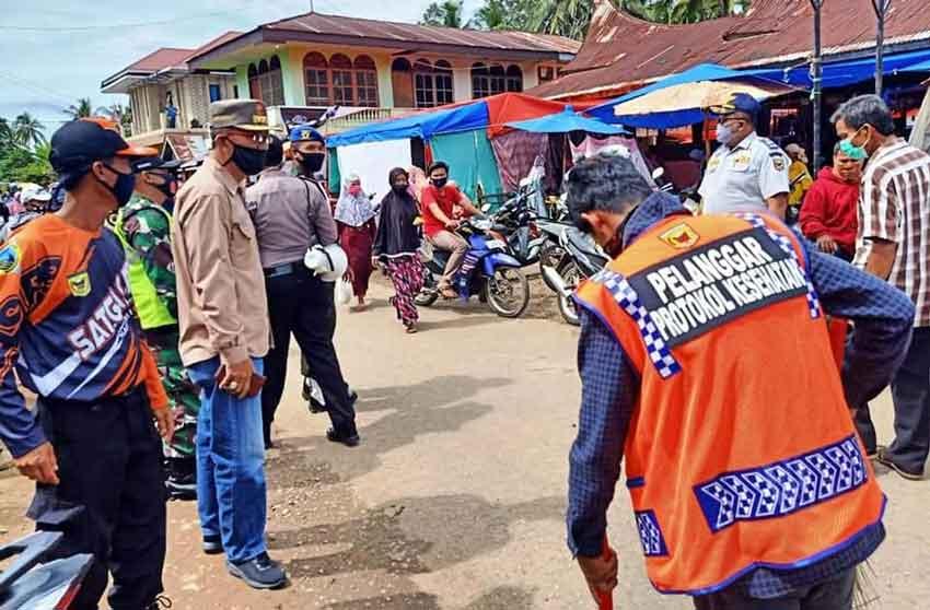 Tim Operasi Terpadu Turun Perdana Ke Pasar Balimbing