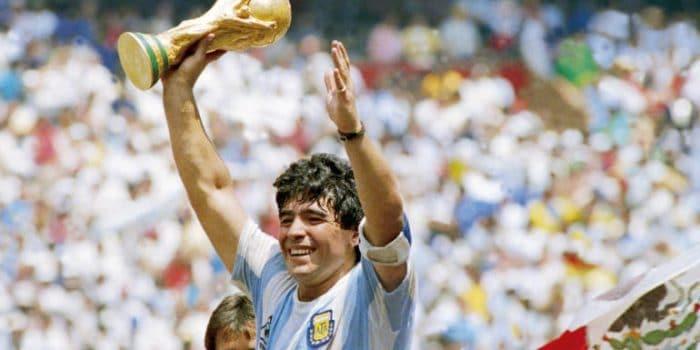 "Diego Maradona Sang Legenda ""Tangan Dewa"" Telah Berpulang"