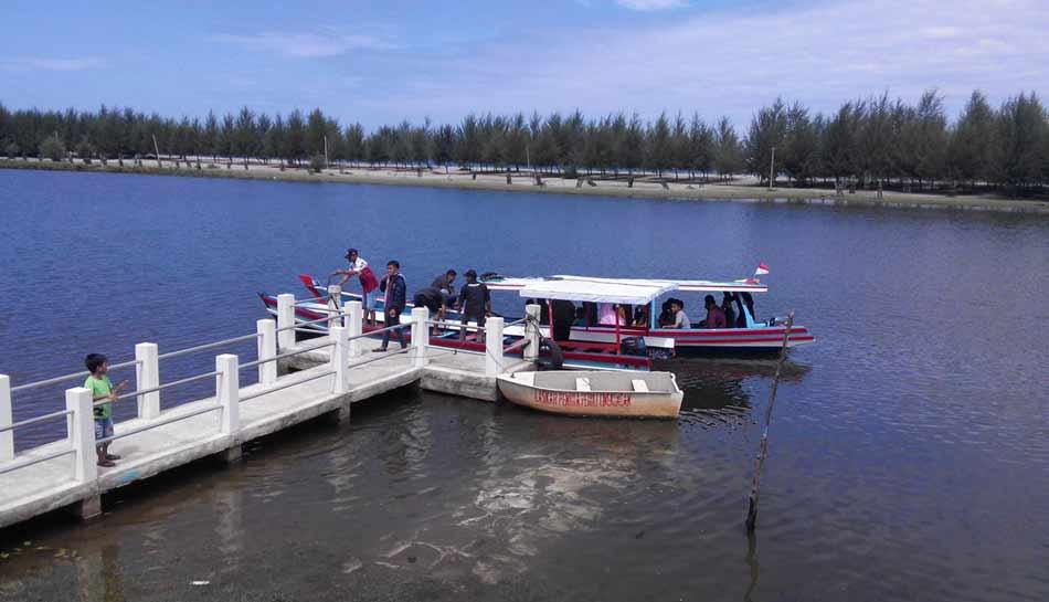 Kawasan Ekowisata Penyu Amping Parak, Cocok Bagi Wisata Keluarga