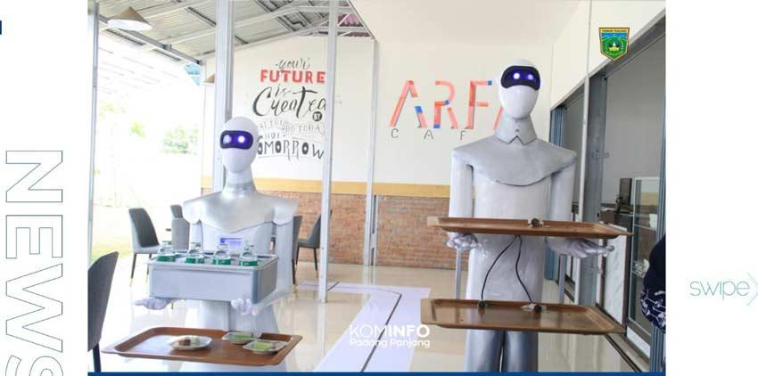 Sabai dan Midun,  Dua Robot Pelayan Cafe Beraksi di Ponpes