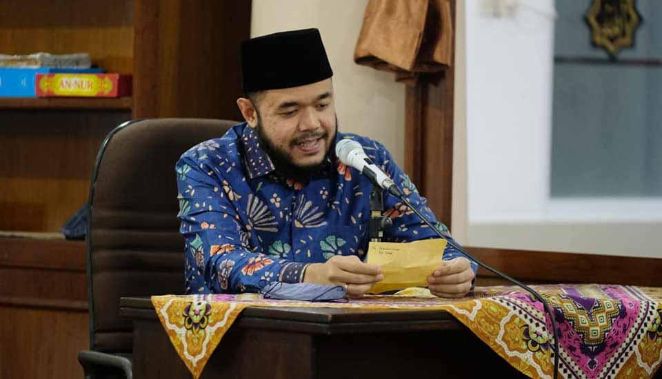 Sambangi Masjid Tauhid, Wali Kota Fadly Amran Kabarkan Program Beasiswa