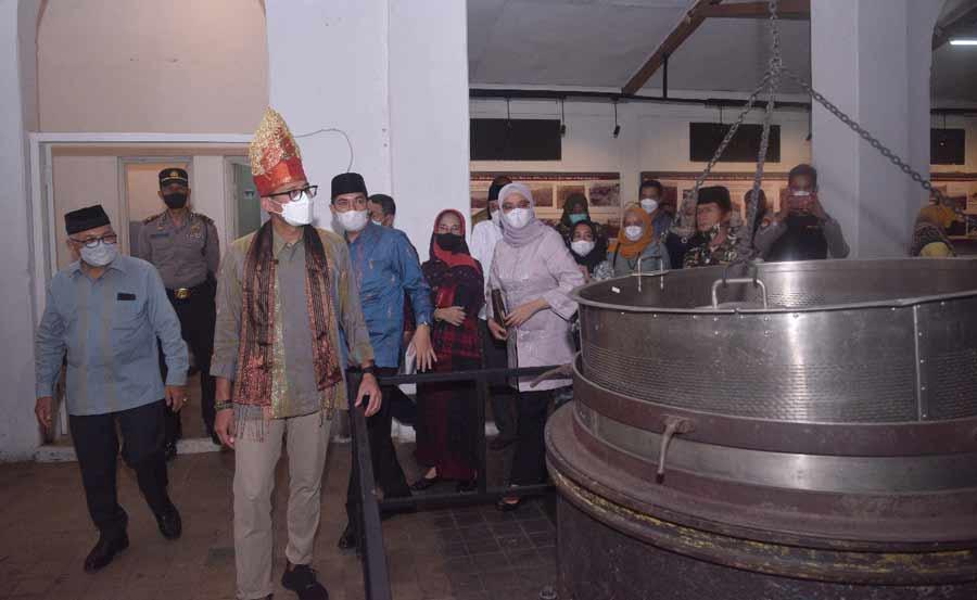 Menteri Sandiaga Uno kunjungi Musium Kota Tua Sawahlunto