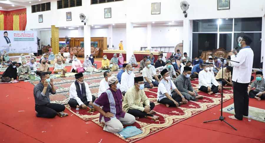 Alumni SMPN 2 Padang buka bersama dengan Wako Hendri Septa