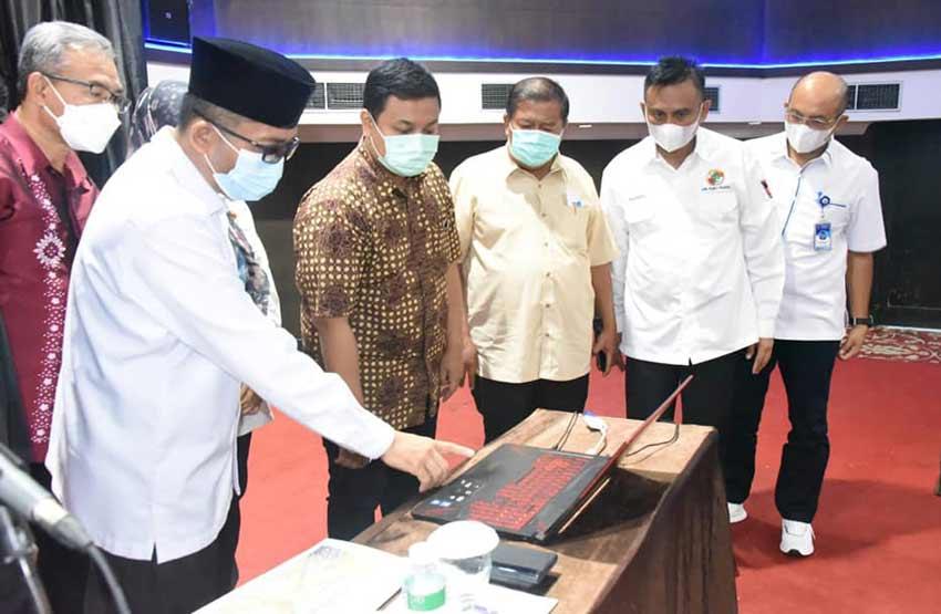 Wali Kota Hendri Septa membuka Pelatihan Peningkatan Sumber Daya Manusia (SDM) Bagi Anggota