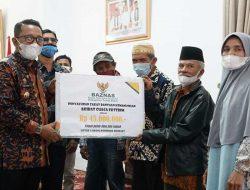 6 Rumah Terdampak Cuaca Ekstrim, Terima Bantuan Baznas Kabupaten Tanah Datar