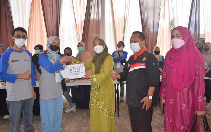 Kelompok Singgalang Pakan Sinayan Raih Juara Pertama