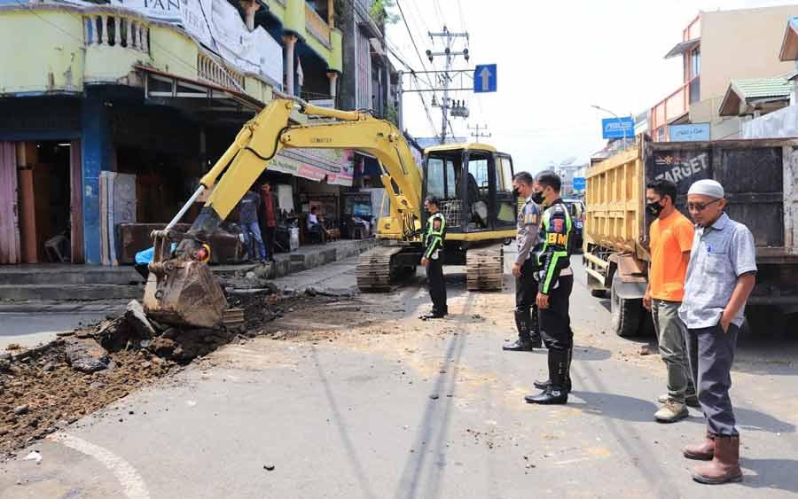 Percantik Wajah Kota Jalan A Yani Payakumbuh Dibangun Drainase Baru Dan Pedestrian Area