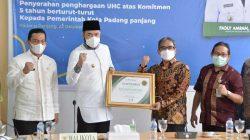 Wako Fadly Amran Terima Penghargaan Universal Health Coverage